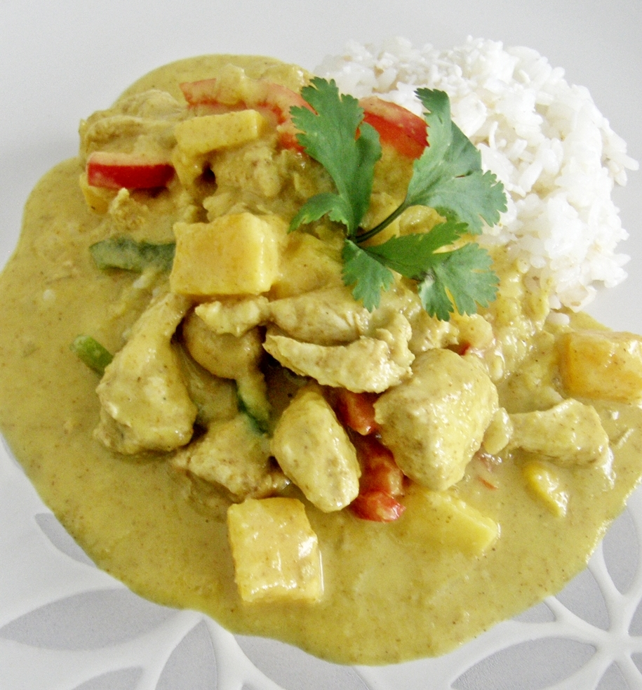 Pollo con mango al curry